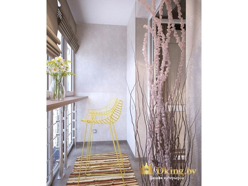 серые штукатуренные стены на балконе, серый керамогранит на полу. акцент - желтые высокие стулья. сиденье в виде решетки.