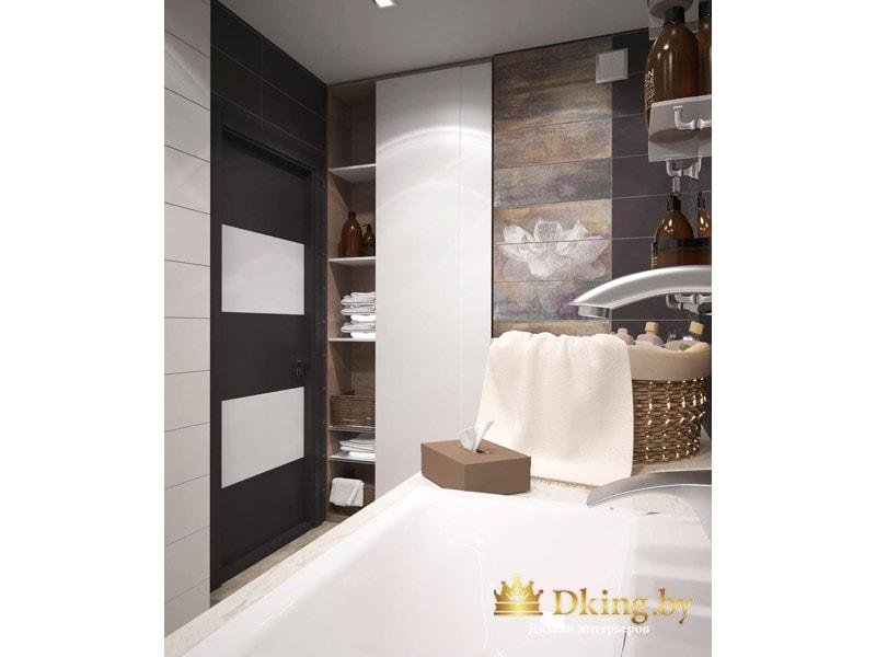 полки в ванной спрятаны за раздвижной белой дверью