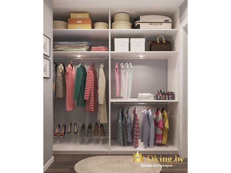 вместительная гардеробная с полкой для обуви и штангой для детской одежды