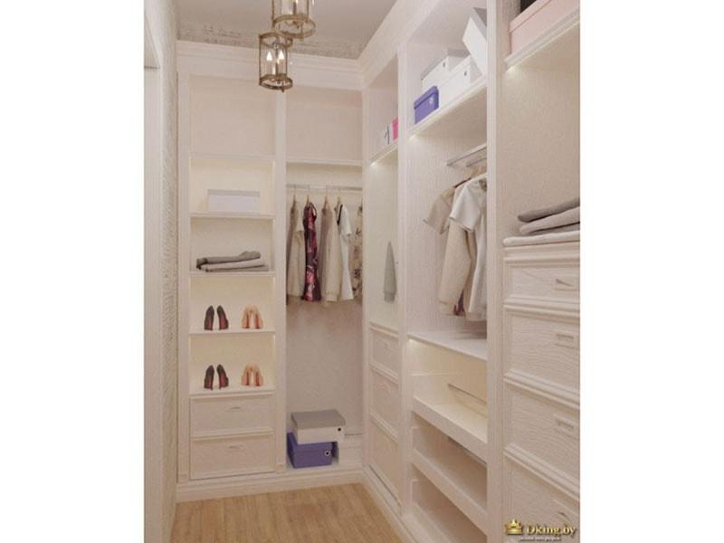 Большой просторный шкаф вместит в себя всю одежду