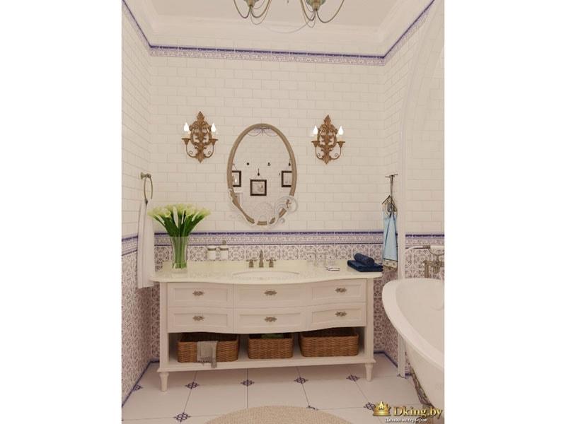 Декоративные плафоны по бокам от зеркала. Шкафчик для банных принадлежностей