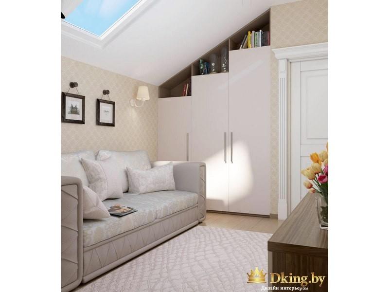 Мансардное окно и белый диван