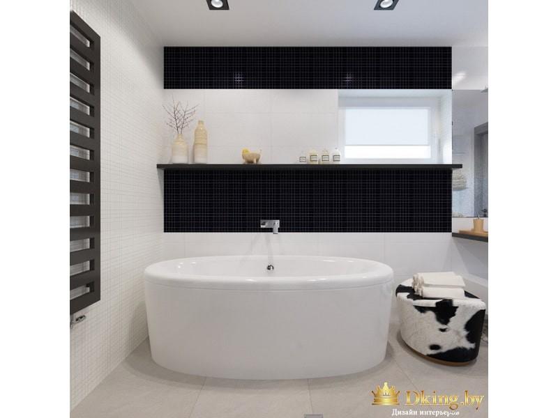 Большая белая ванная в ванной комнате