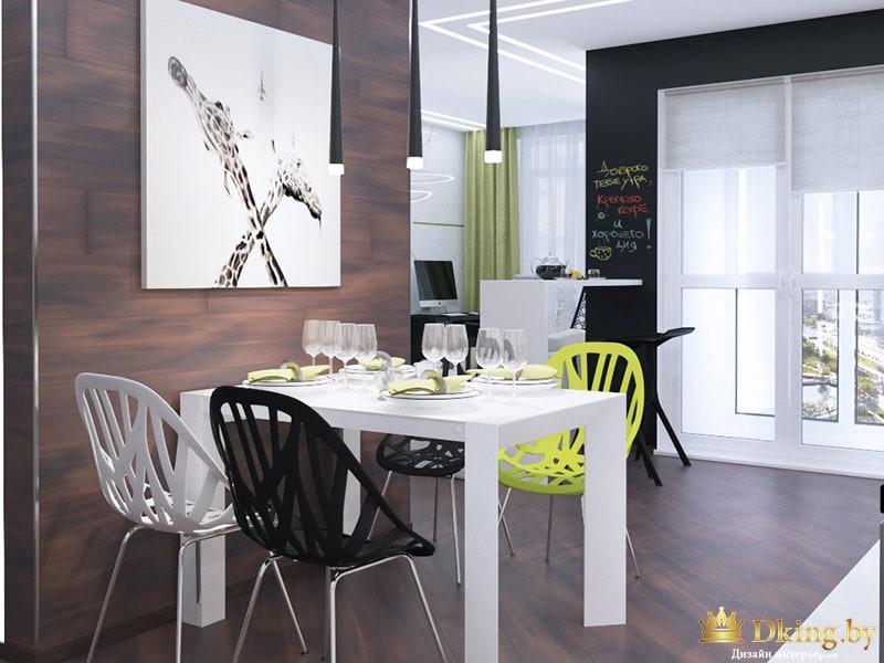 Стол с разноцветными стульями в интерьера