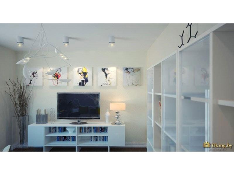 белая тумба с полками под телевизор, картины с абстрактными изображениями девушек, оригинальный светильник