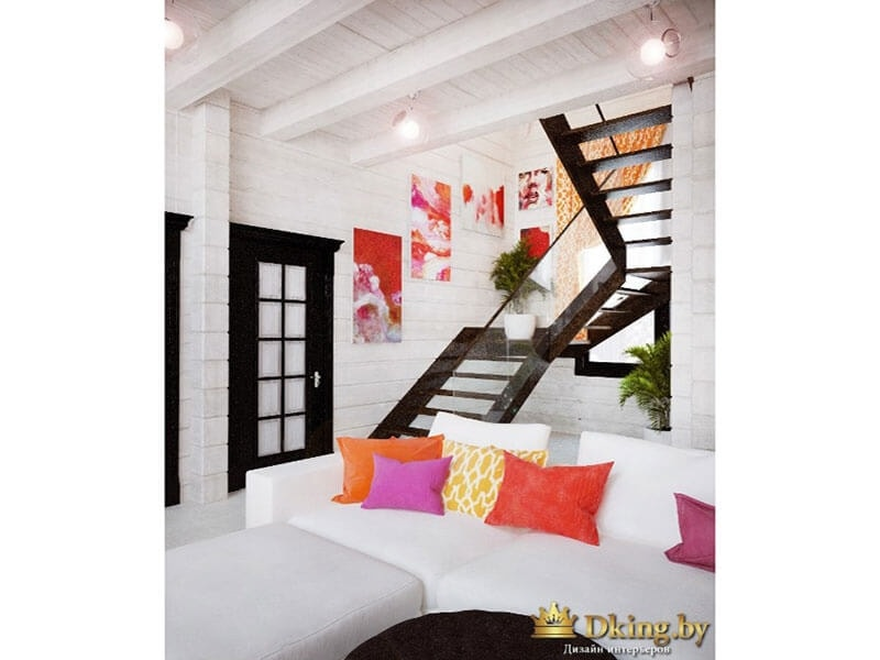 лестница на второй этаж контрастного цвета венге, в тон дверей. Стены, диван - белые. Яркие акцентные подушки оранжевого, розового цветов.