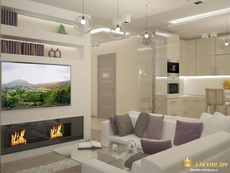 светлая гостиная: искусственный камин под телевизором, угловой белый диван, бежевые стены, светлый пол, стеклянный журнальный столик