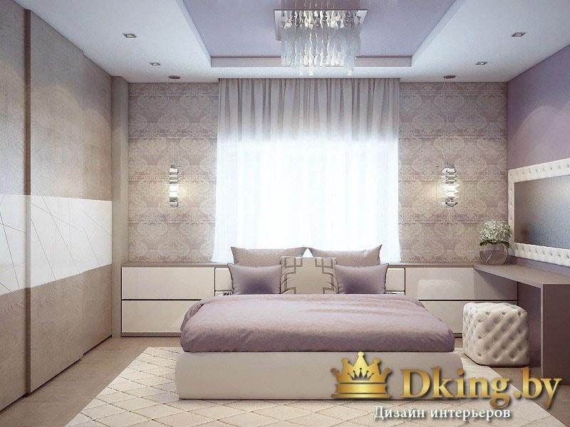 большой раздвижной шкаф в спальне, двухспальная кровать, мягкий пуф. вместо тумбочек, вместительная панель с ящиками без ручек вдоль окна.