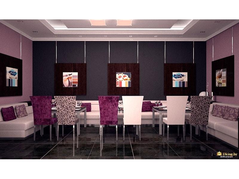 Разноцветные стулья в ресторане