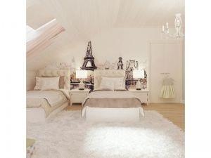 Светлая спальня с рисунком Парижа