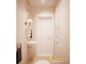 вид на белую дверь во втором санузле. Бежевый пол и стены, классический светильник, встроенные шкафы