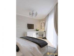 Большие французские окна из спальни - интерьер