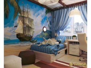 На стене фотообои с изображением парусника. На потолке - канаты и декоративные балки