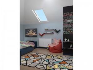Детская комната с мансардным окном