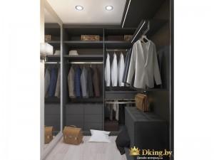 Просторная гардеробная комната