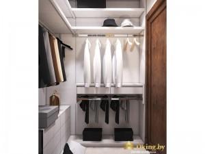 Полки в светлом гардеробе