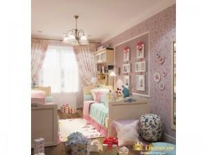 Стена с картинами в детской комнате