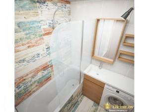 Ванная с дизайнерской плиткой