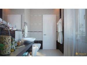 туалетная комната с окном и оригинальной столешницей