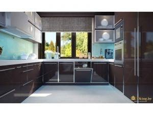 Кухонная зона с умывальником у окна
