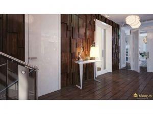 Коридор  с необычными светильниками и деревянными панелями на стенах
