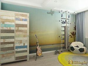 детская: оригинальный распашной шкаф в стиле пэчворк, фотообои на всю стену, спортивный комплекс и кресло-мешок