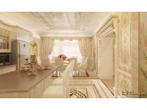 бежевая просторная столовая в стиле ампир с большим обеденным столом у окна. На окнах светлые шторы с ламбрикеном. на полу бежевая плитка дополнена плиткой с орнаментом, выложенная в виде ковра. вместо двери - резной портал