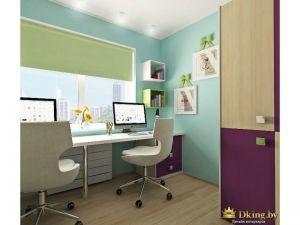 детская: голубые стены. белые стулья, шкаф комбинированный: деревянные дверцы и дверцы фиолетового цвета. рабочий стол вдоль окна на всю длину стены. два рабочих места для детей