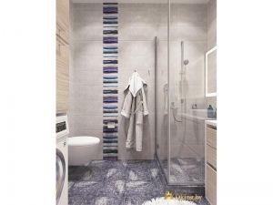 Халат на стене в ванной