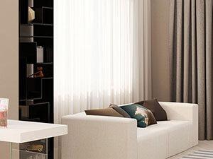 белый кожаный диван в интерьере однушки