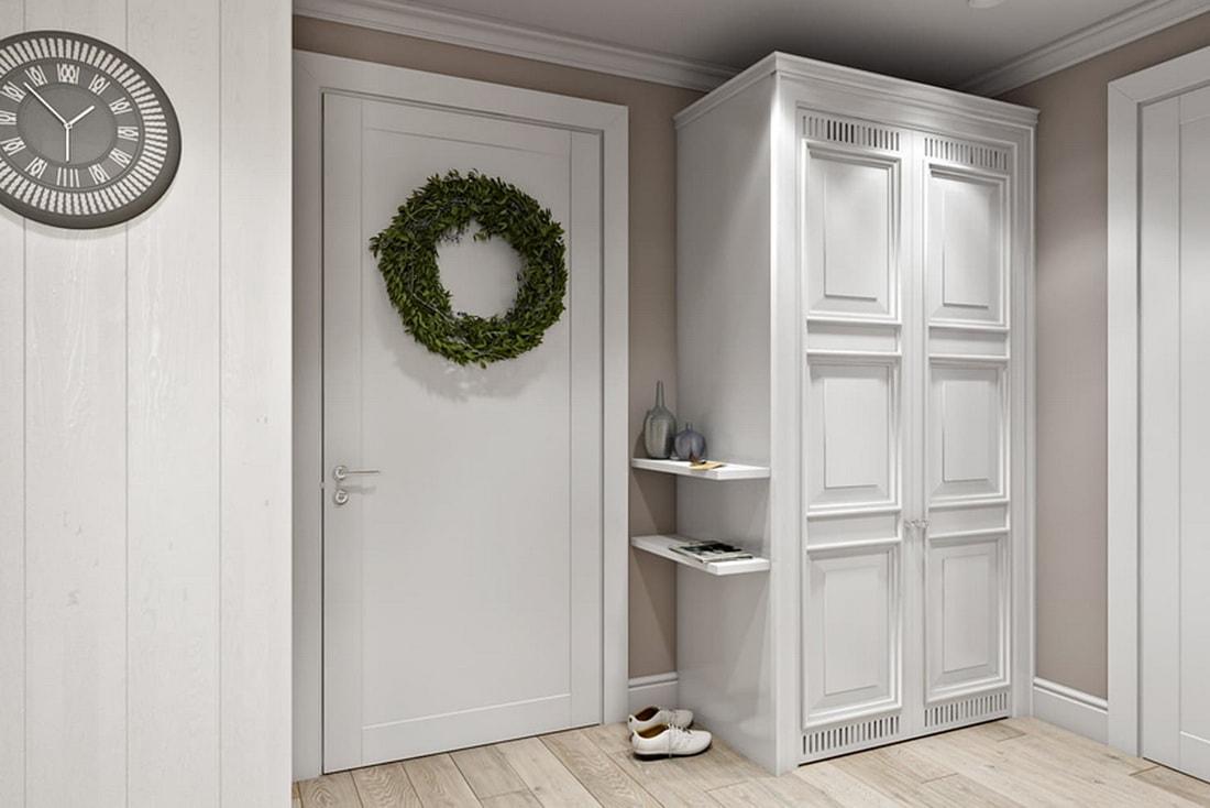 белая дверь и мебель